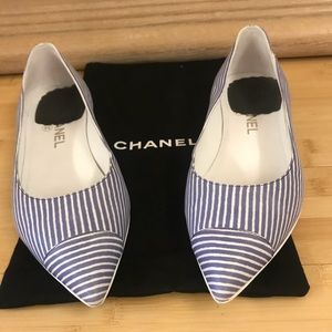 Chanel White & Blue striped Coco line Pointed Flat
